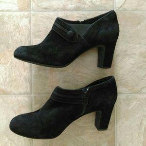 Clarks Artisan Zipup Black Heels